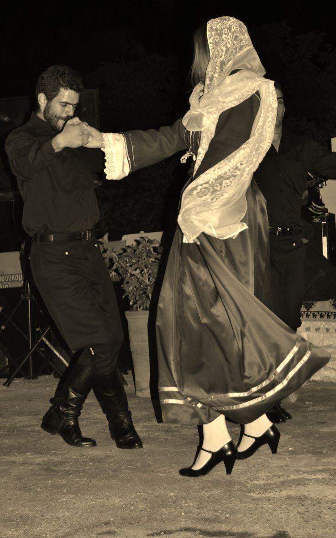 Cretan dance Diavaide_Κρήτη_Χορός Συρτός Χανιώτης Διαβαϊδέ