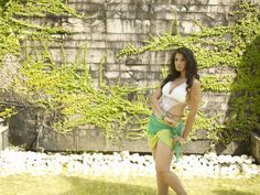 Lakshmi-Rai-Kerala-Strikers-CCL-calender-hot-photo-shoot-1