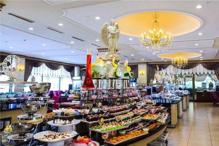 Irresistible charm of our #delicious flavors.. Who wants to try? 😋🍩🍕🍪🍽🍤  Enfes yemeklerimizin tadına doyum olmaz.. Denemek isteyenler?   #restaurant #openbuffet #feelthepalace #Ресторан www.veneziapalace.com