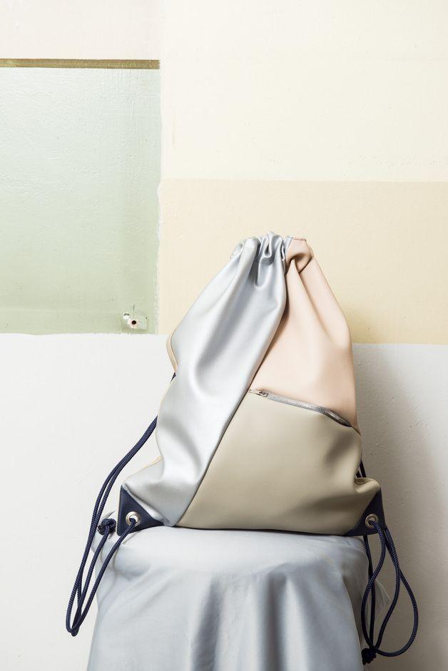 Turnbeutel aus Kunstleder, 100% vegan // fake leather gym bag via DaWanda.com