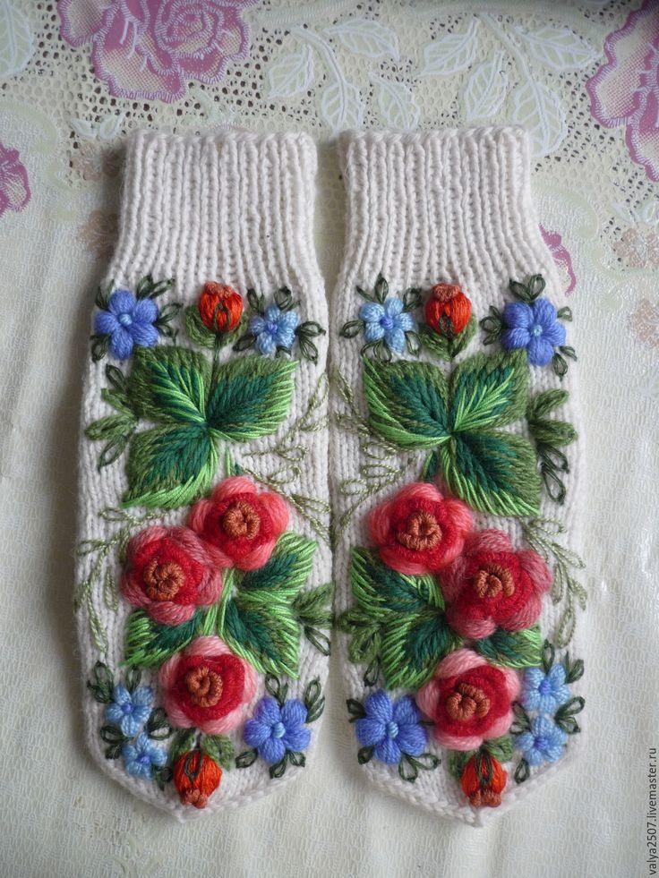Купить Варежки ручная вышивка - комбинированный, цветочный, варежки, варежки ручной работы, варежки женские