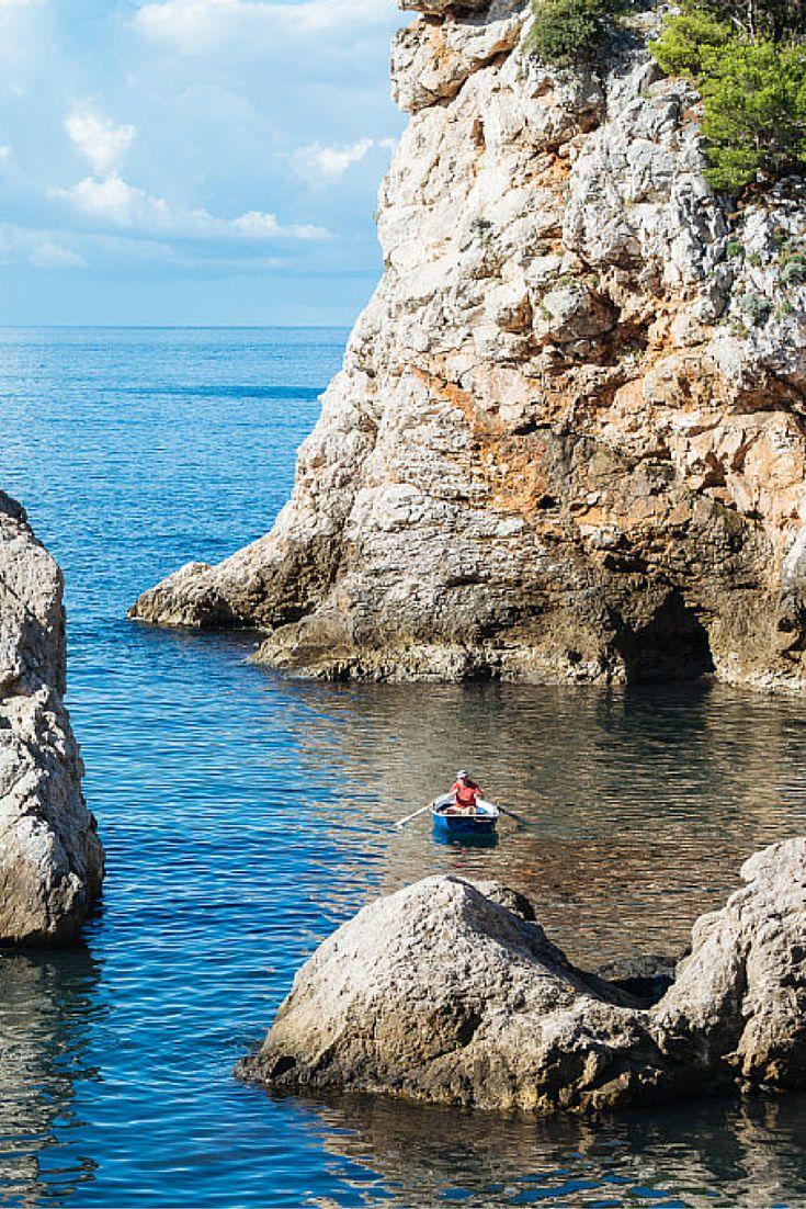 La baie de Dubrovnik. Cela vous semble familier ? Normal, on la voit dans Game of Thrones. Vous planifiez un voyage en Croatie ? Découvrez notre itinéraire en annexe.