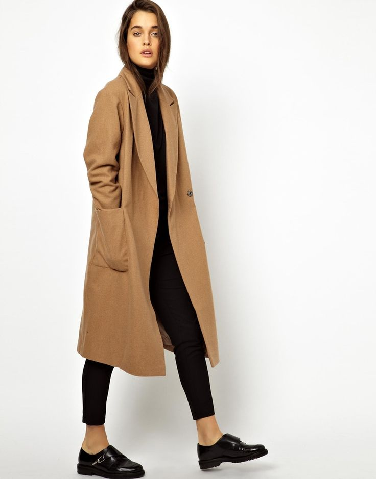 Manteau Camel // Asos// Camel coat, black turtle neck, black trousers, and black oxfords