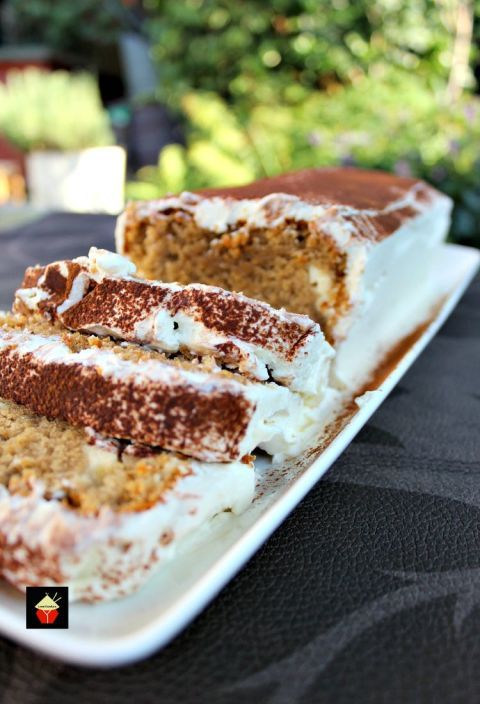 Ladyfingers got nothing on pound cake. Get the recipe from Love Foodies.