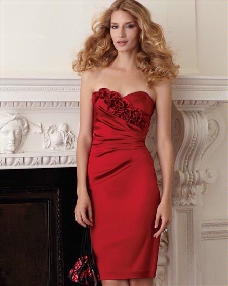 xoWhite Houses, Cocktails Dresses, Fashion Style, Red Dresses, Black White, Fashion Blog, Red Bridesmaid Dresses, Gorgeous Red, Black Marketing