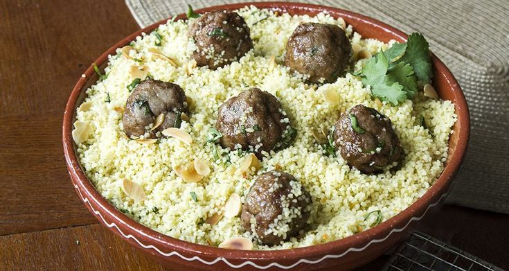 Moroccan Meatballs with Couscous recipe! Aki's special recipe, perfect dish to enjoy during the weekend.