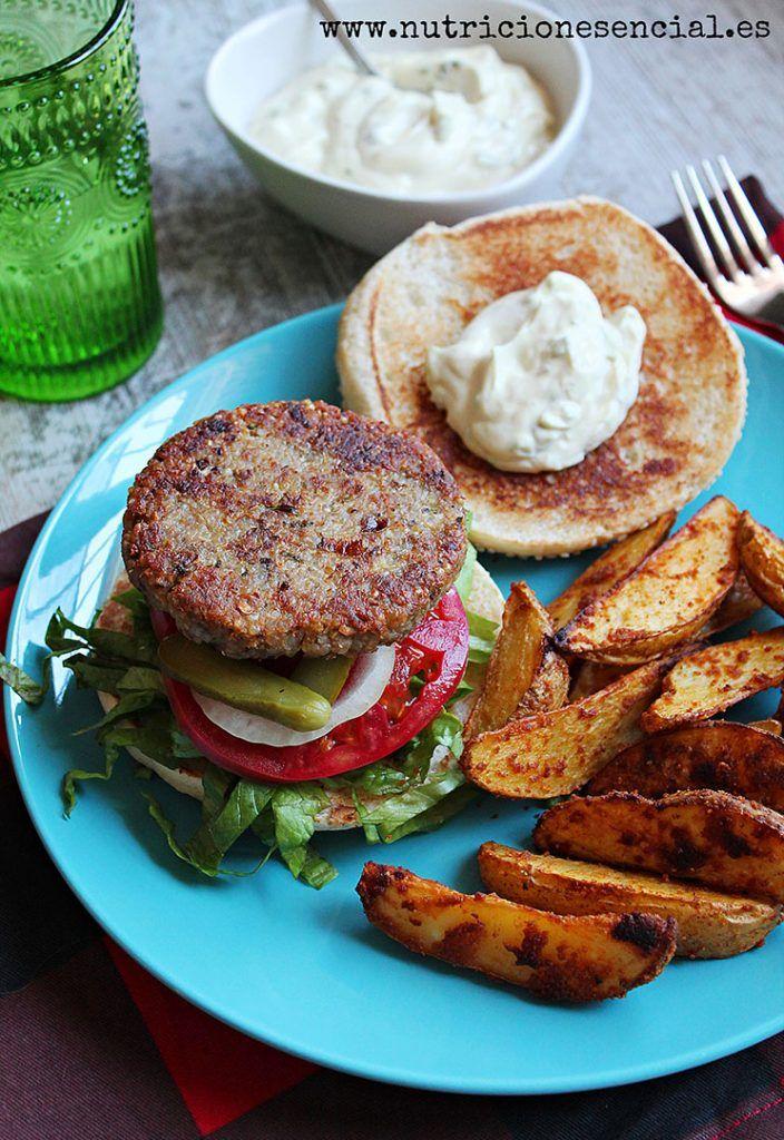 Hay recetas de las que nos sentimos especialmente orgullosos y que compartimos con mucha alegría. Sabes que van a gustar si o si. Por ejemplo nos pasó con las albóndigas de remolacha o los filetes rusos de lentejas, una delicia. No dejes de probarlas. Estas hamburguesas surgieron gracias a Dana Shultz. Vimos que […]