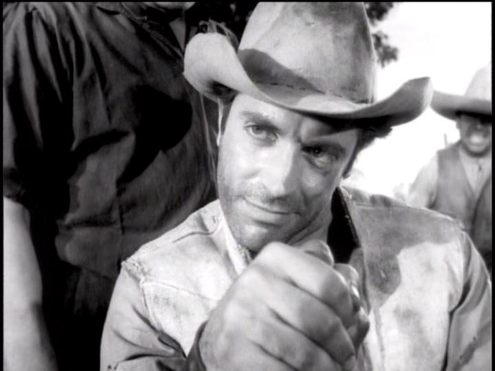 """Sin tener la mínima idea que hoy iba a morir, hablamos de Julio Alemán en esta gran película: """"Los Hermanos del Hierro"""""""