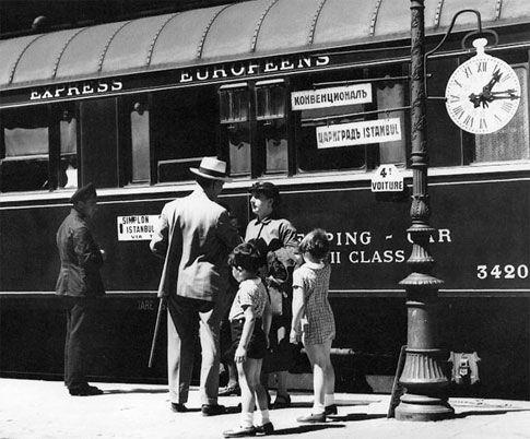 De meest beroemde spoorlijn ter wereld bestaat reeds sinds 1883. De route liep van Parijs naar Giurgiu in Roemenië, via Straatsburg, Wenen, Boedapest en Boekarest. Met de constructie van de Simplon-tunnel in 1906, werd de naam veranderd naar de Venice Simplon Orient Express en in de loop der jaren zijn de originele trajecten niet langer in gebruik.