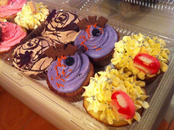 CUPCAKES de limón, de coco, de chocolate y de arándanos... con dulce deco estilo Halloween :)