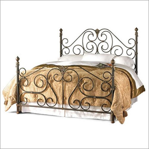 Wrought iron bed frame, LOVE this!