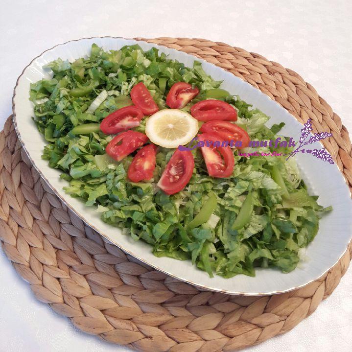 Erikli Kıvırcık Salata