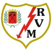 en el distrito de Puente de Vallecas, al sureste de la capital de España, Madrid. El club fue fundado en 1924 y actualmente su primer equipo juega en la Primera División de España. El Rayo Vallecano se sitúa en el puesto número 294 del ranking de clubes de la FIFA con 74 puntos.