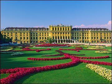 Palacio y jardines de Schönbrunn en Viena, Austria.