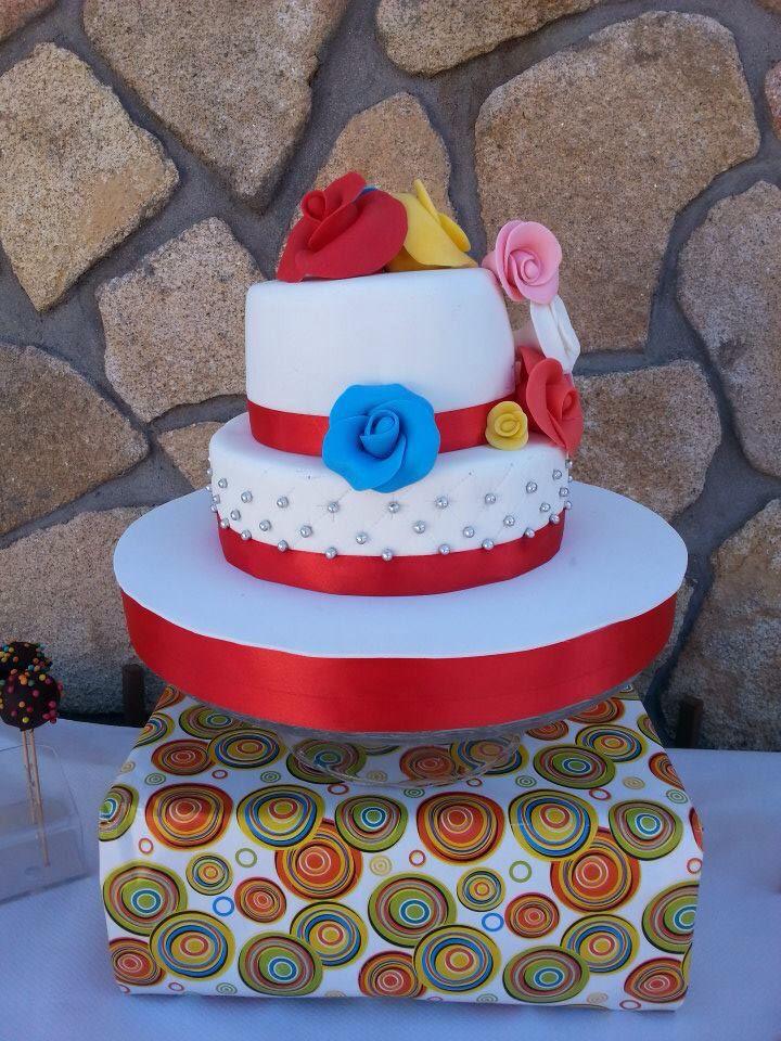 #reposteriacreativa #tartas #fondant #tartasdecoradas #flores #acolchado