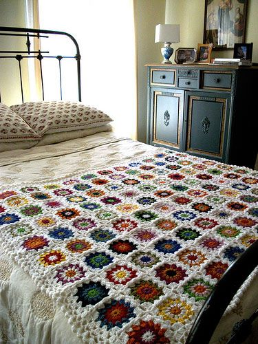 crochet - i'm hoping mine looks this niceCrochet Blankets, Folk Cities, Crochet Afghans, Granny Squares Afghans, Wrought Iron, Beds Frames, Bedrooms, Crochet Knits, Beautiful Beds