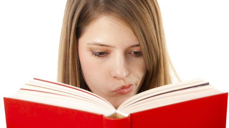 «Las razones por las que cada vez cometemos más errores ortográficos y gramaticales».  http://www.elconfidencial.com/alma-corazon-vida/2015-08-28/las-razones-por-las-que-cada-vez-cometemos-mas-errores-ortograficos-y-gramaticales_988271/