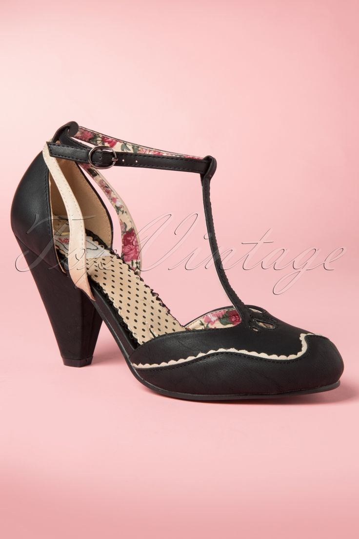 Bettie Page Shoes - 40s Annalise T-Strap Pumps in Black
