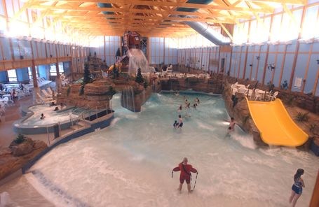 Grand Bear Falls Indoor Waterpark At Grizzly Jack S Grand