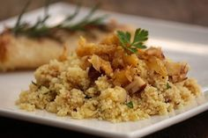 Cuscuz marroquino com banana e castanhas - Mel e Pimenta