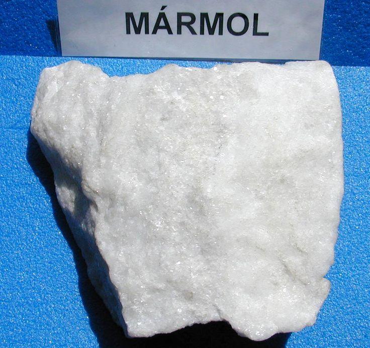 MÁRMOL Es una roca metamórfica compacta formada a partir de rocas calizas que alcanzan un alto grado de cristalización. Se utiliza en construcción, decoración y escultura.