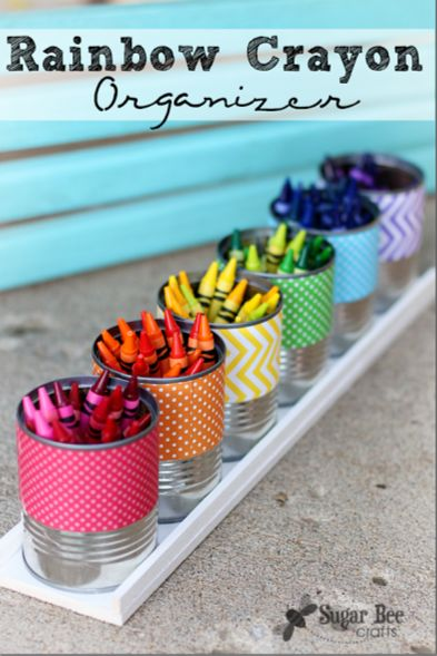 LOVE this crayon organizer -- and it'd make a great gift, with some paper, etc