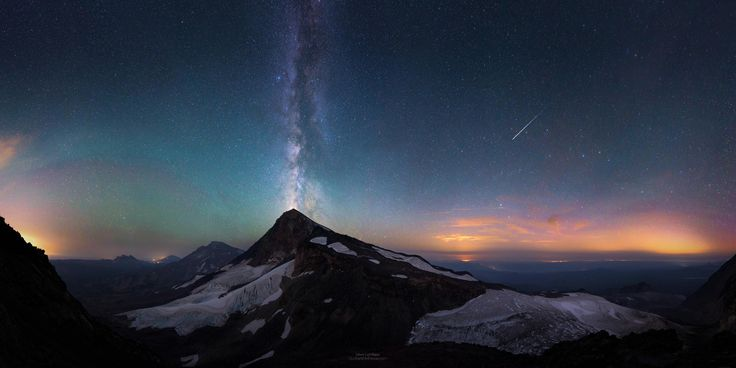 Witnessing a volcano erupt is on my bucket list, I'm thinking I may just check it off. Starcano instead! View from North Sister, OR at night. - Imgur