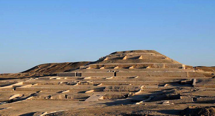 A grande pirâmide de Cahuachi - Nasca - Perú