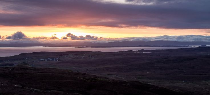 Harry Martin Photo@harrymartin22  11h11 hours ago  More   Some nice colour at #sunrise this morning over Staffin #IsleOfSkye #VisitScotland @TrueHighlands @wildscotland