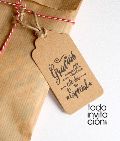 Etiquetas de kraft para presentar tus detalles y regalos de invitados de boda, bautizo o comunión de una forma original y muy moderna.