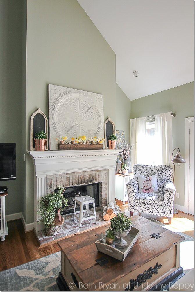 Primavera mensola del camino idee di decorazione |  Accogliente Spring Home Tour |  www.unskinnyboppy.com
