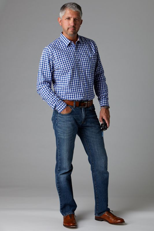 Dark wash jeans are one of the most versatile items of clothing you can own. They can easily go from ultra casual to dressy with just a few...