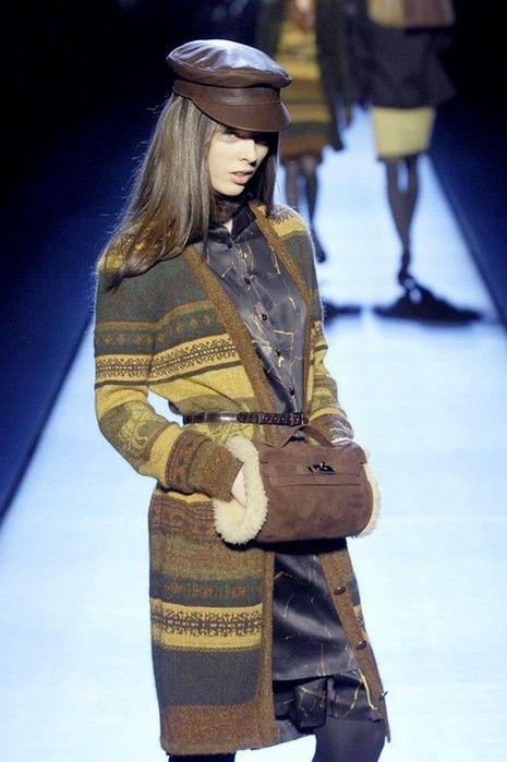Зимняя муфта   модный аксессуар этой зимы | фотография | photo фотографии фото теплая муфта муфты муфта мода | fashion мода меховая муфта зимняя одежда