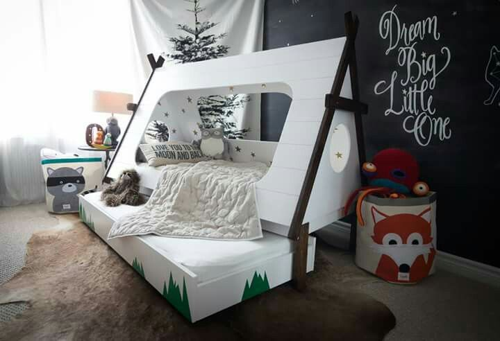 Baby boy tipi bed: