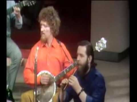 Whiskey In The Jar Irish song lyrics and guitar chords - Irish folk songs