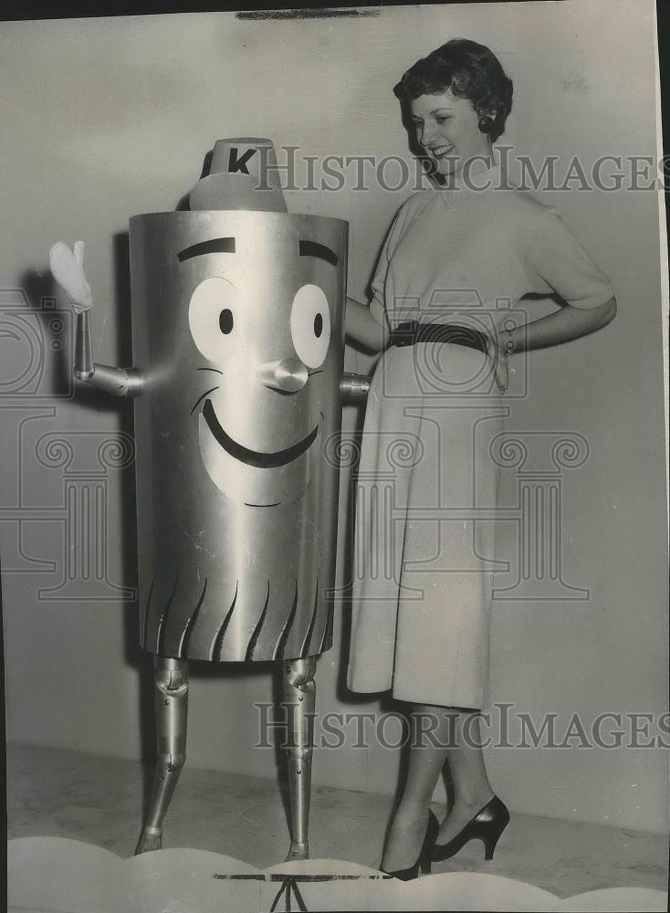 1954 Press Photo Al Luminum Congratulates Miss Spokane, Diane Rumburg
