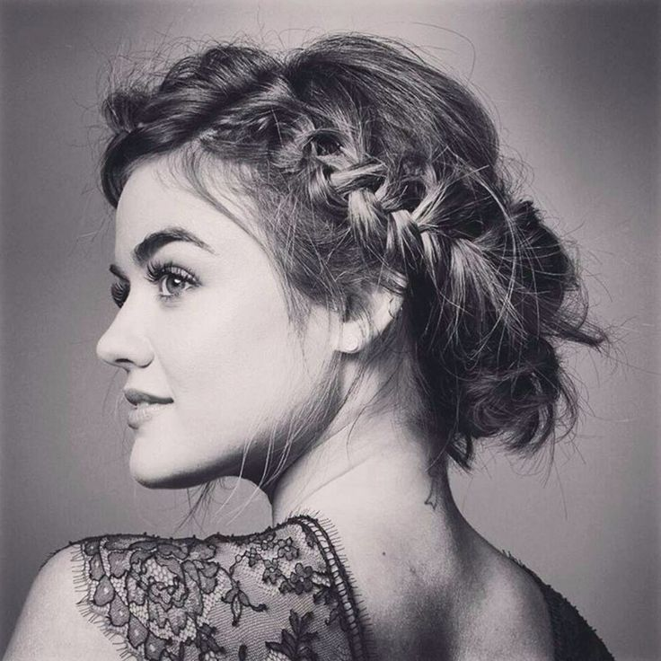 Lucy Hale★Gad a thew minor roles and a role in pll