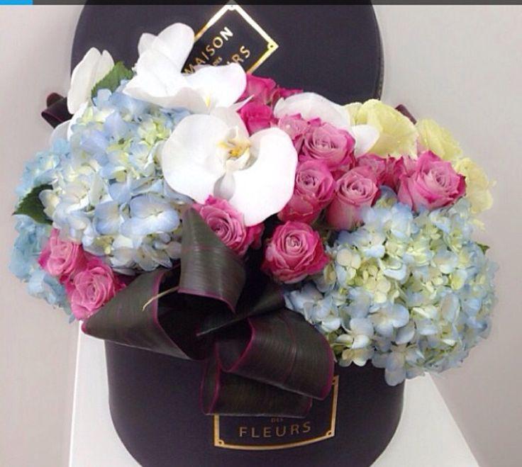Great combination bouquet by Maison des Fleurs