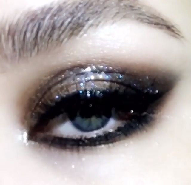 Pat McGrath Darkstar 006 Ultrasuede brown / smokey eye
