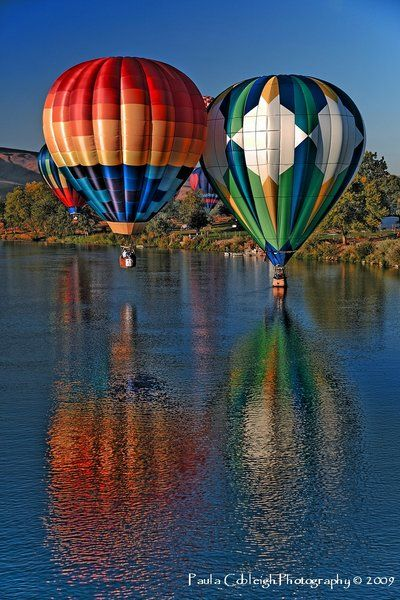 ✯ Hot Air Balloons. If you've never been blessed to experience flight by ballon; just do it. This is a sweet crisp cleanness that surrounds this type of flight. You should experience it at least once.