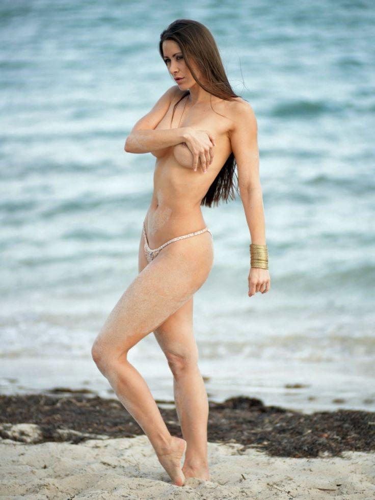 Ana Braga Topless Nude Photos 10