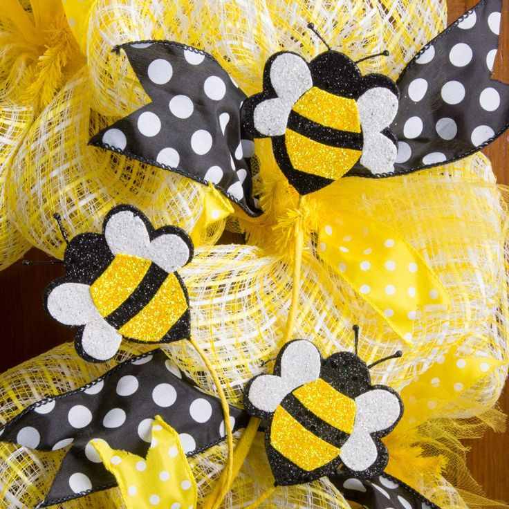 "25"" Glitter Foam Bumble Bee Spray: Yellow, Black & White"