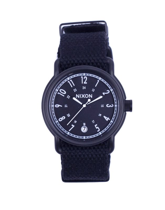 Hodinky Nixon Axe all black nylon 5590 Kč