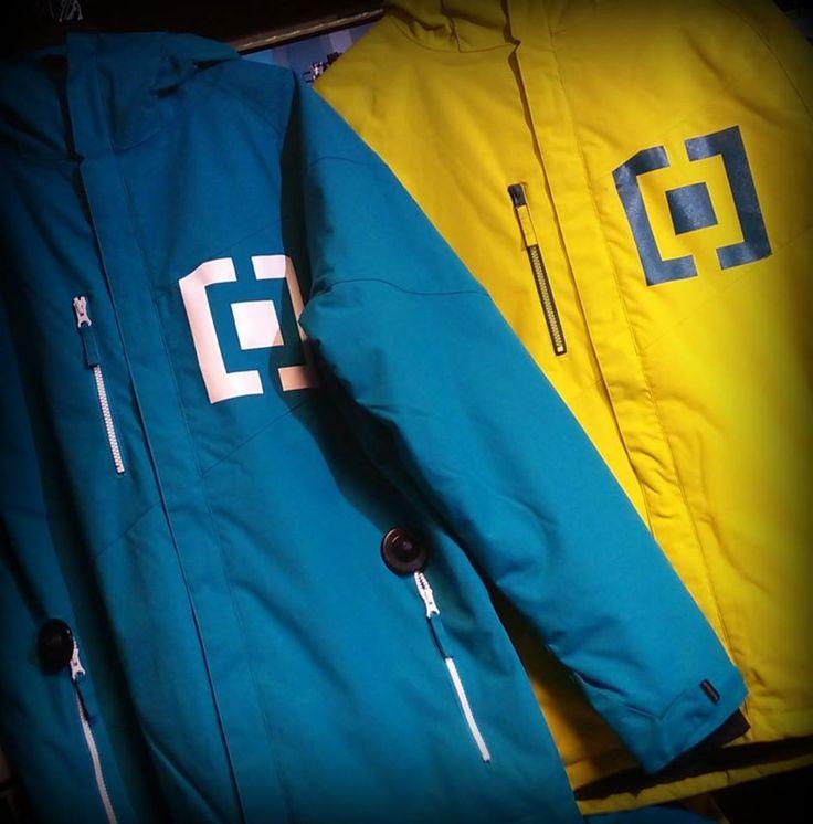 Kvalitní bundy Horsefeathers :) Link modrá: http://goo.gl/z9NF4f Link žlutá: http://goo.gl/8BBb5y