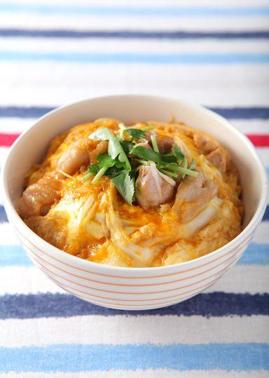 とろ~り親子丼 のレシピ・作り方 │ABCクッキングスタジオのレシピ | 料理教室・スクールならABCクッキングスタジオ
