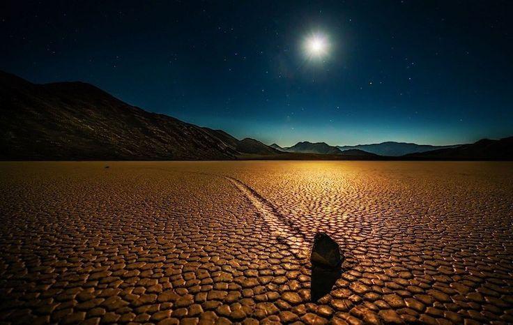 モハーベ砂漠のデスバレー、カリフォルニア州 人生を変える「ロードトリップ」の旅18選。#16はとくにおすすめです!