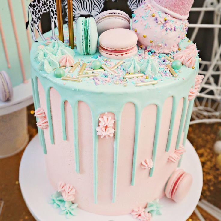Unsere Macarons auf einigen Kuchen von S.design.and.dreams und Cake Maker …   – lecker