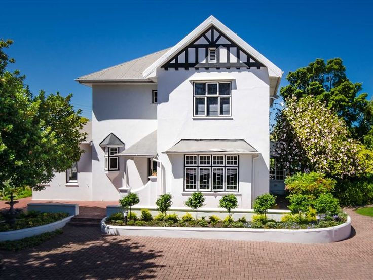 Whispering Oaks Guest House - Your hosts, Nelleke and Michael Elston have recently taken ownership of this long-established guest house situated in Caledon Street, centrally located in George. They have introduced a revitalising contemporary ... #weekendgetaways #george #southafrica