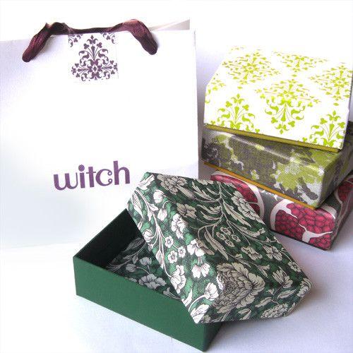 ・ラッピング・■現在有料ラッピングは行っておりません■有料(¥500)のプレゼントラッピングです。ボックス、手提げ袋、シールが付きます。ボックスの柄は商品に合...|ハンドメイド、手作り、手仕事品の通販・販売・購入ならCreema。