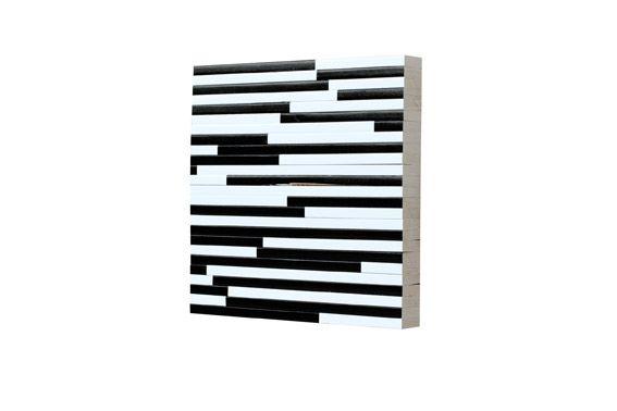 Clemens Hollerer, Scatterbrain 11, 2013, Lack auf Holz, 45 x 45 cm